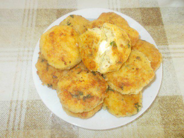 Ćuftice od krompira sa topljenim sirom