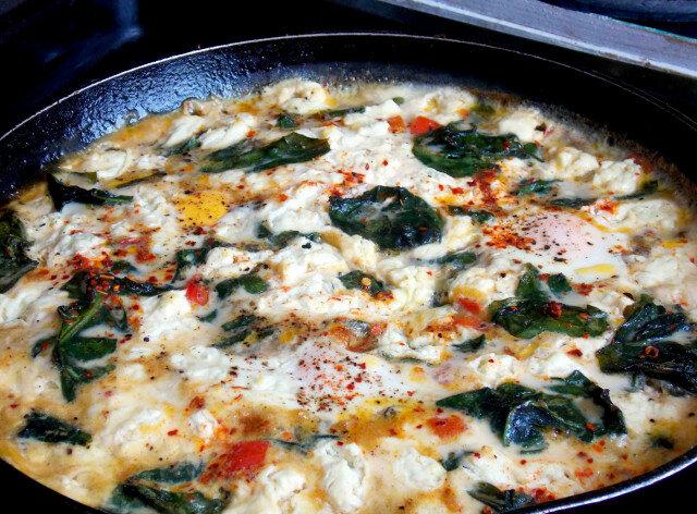 Ječam i spanać sa jajima i sirom