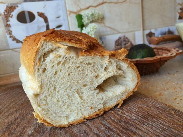 Beli hleb sa kefirom