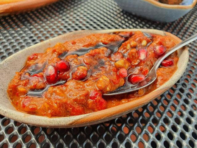 Muhamara - arapski namaz sa pečenim paprikama i orasima